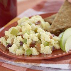 Recettes - Brouillé de pommes et de bacon - Lesoeufs.ca