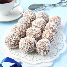 Gudomligt goda och läckra havrebollar som fullkomligt smälter i munnen! Cookie Box, Cookie Recipes, Snack Recipes, Snacks, Baking Recipes, Dessert Recipes, Tart, Swedish Recipes, Sweet Recipes