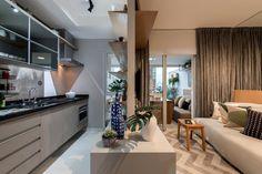 Lindo Apartamento Studio no bairro de Moema.   Apartamento de 35 m²  Condomínio com opções de lazer muito interessantes.   Contato:  Deluca  telefone: 11-97028-0014 e 11-94229-7302  e-mail: deluca@emci.com.br  creci: 119.894
