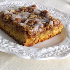 """Cinnamon Roll Apple Crisp 