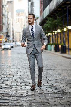 Man of few words Mens Casual Suits, Grey Suit Men, Classy Suits, Mens Fashion Suits, Mens Suits, Hipster Design, Vintage Hipster, David Gandy Suit, Grey Check Suit