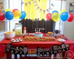Love the cityscape backdrop! Such a cute Superhero Party! from @Michele Morales {The Scrap Shoppe}