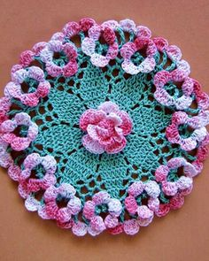 This unique set of mini doilies gives vintage-look crochet a trendy boho-chic twist, all in delightful miniature scale. You will find pineapples, butterflies, Irish roses, a charming little Crinoline Lady and an elegant paisley-shaped doily among the. Crochet Stitches Patterns, Doily Patterns, Crochet Patterns For Beginners, Loom Patterns, Thread Crochet, Crochet Motif, Crochet Designs, Crochet Doilies, Crochet Flowers
