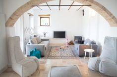 Woonkamer en Moooi zitzakken (Dickie) van ons vakantiehuis in Le Marche, Italie   Villa Fiore