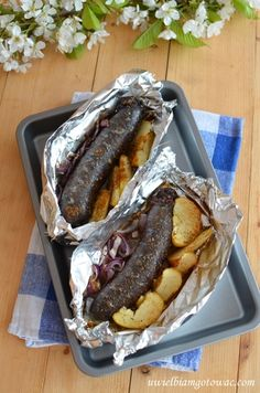Kaszanka z grilla z jabłkiem i cebulą Grilling Recipes, Cooking Recipes, Kebabs On The Grill, Polish Recipes, Polish Food, Love Food, Food To Make, Food Porn, Food And Drink