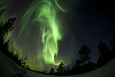 I'd like to see the Northern Lights in my lifetime. They're supposed to peak in 2013. A trip to Alaska next year, anyone?