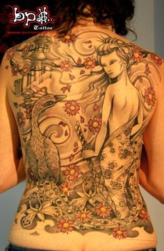 Geisha Tattoos are loved by the people who love Japanese culture. A geisha tattoo is often featured by a geisha girl dressed in colorful traditional Tattoo Girls, Back Tattoo Women, Tattoo Designs For Girls, Geisha Tattoos, Geisha Tattoo Design, Japanese Geisha Tattoo, Japanese Tattoo Designs, Japanese Art, Watercolor Peacock Tattoo