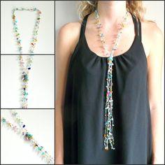 Sautoir multicolore en plaqué argent, pierres de gemme et perles en verre fait au crochet. Pièce unique. Prix :60 euros. Livraison gratuite.