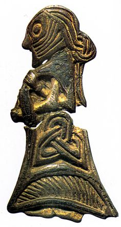 Lille_soelv_figur_01.jpg (459×863). Small figurine from Tissø of a woman with fine details of the costume and hairstyle. Photo: National Museum, Copenhagen.
