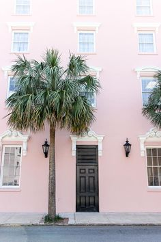 Today for the last of my Charleston posts, I wanted to share a few more places that we went, things we did, and things we ate that I didn't get around to mentioning in the other posts. Hopefully this will be helpful for anyone planning or considering planning a trip! ...