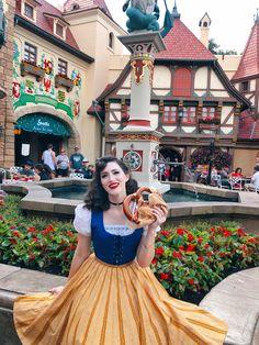 Disney Bound Outfits, Travel Outfits, Disney Dresses, Cosplay Ideas, Costume Ideas, Costumes, Disney Poses, Theme Park Outfits, Disney Designs