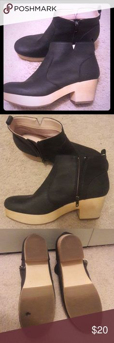 """Old Navy Ankle Boots Faux-suede ankle length boots with side zip closure. Round toe. Flocked rubber outsole.  2"""" heel. Old Navy Shoes Ankle Boots & Booties"""