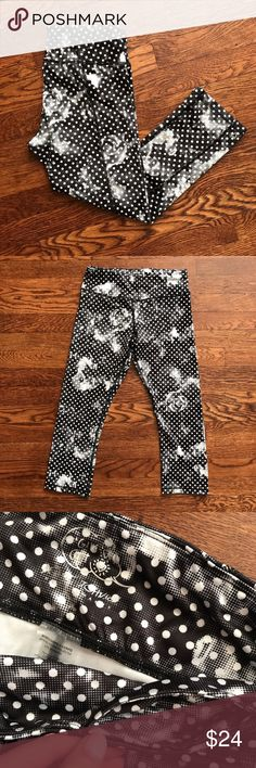 Betsey Johnson Performance Floral Mesh Leggings Like new condition! Comfortable with good stretch plus cellphone pocket!  • 88% Polyester l 12% Spandex  • No Trading  • Reasonable Offers are Always Welcomed  • Ask Me For a Bundle Discount!! Betsey Johnson Pants Leggings