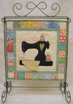 Quilted Wall Hangings On Pinterest Table Runners Quilt