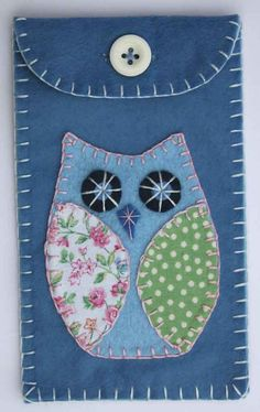 Owl phone case i pod gadget case blue felt by PuffinPatchwork Sewing Crafts, Sewing Projects, Craft Projects, Handmade Felt, Handmade Crafts, Owl Phone Cases, Owl Crafts, Animal Crafts, Felt Case