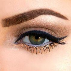 Gorgeous golden lower eye liner