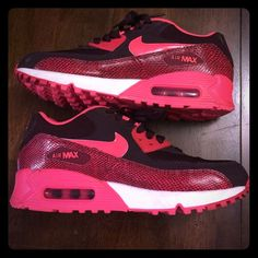 Nike Air Max 90 Rattlesnake Like New Nikes! Perfect condition only wore one time! They are brand new! Nike Shoes Athletic Shoes