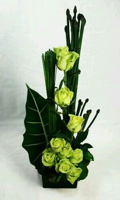 long and tall flower arrangements - Bing images Tall Flower Arrangements, Modern Floral Arrangements, Ikebana Flower Arrangement, Ikebana Arrangements, Tall Flowers, Church Flowers, Flowers Garden, Exotic Flowers, Tropical Flowers