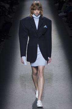 Jacquemus Fall 2016 Ready-to-Wear Fashion Show - Michi Kat