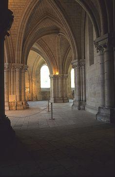 Crypte.Cathédrale Saint-Etienne. Bourges. Centre