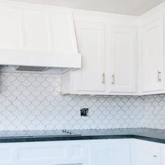 Kitchen Redo, Home Decor Kitchen, Kitchen Remodel, Modern Interior, Home Interior Design, Range Hood Cover, Range Hoods, Kitchen Vent Hood, Custom Range Hood
