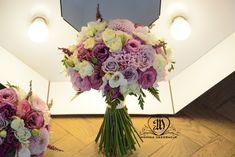 Bukiety Slubne Butonierki Bukiety Dla Druhen Korsarz Wianki Bukiety Jesienne Floral Wreath Floral Glass Vase