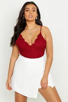Boohoo premium one piece. #boohoo #plussize #plussizefashion Cute Dresses, Short Dresses, Gal Got, Slogan Making, Curvy Plus Size, Wrap Blouse, Fashion Face, Piece Of Clothing, Summer Wardrobe