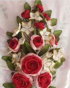 Floral Wreath, Wreaths, Model, Crafts, Instagram, Home Decor, Girly Girl, Embroidery, Flower Crowns