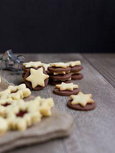 Linecké cukroví Christmas Sweets, Christmas Cookies, Kitchen, Xmas Cookies, Cooking, Christmas Crack, Christmas Biscuits, Kitchens, Christmas Desserts