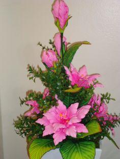 Multiflores - galeria de fotos - MULTIFLORES - Cursos de Flores en goma eva Crepe Paper Flowers, Fabric Flowers, Love Flowers, Diy Flowers, Nature Decor, Ikebana, Flower Crafts, Floral Arrangements, Diy And Crafts