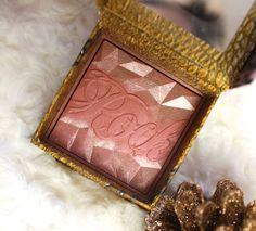 Benefit Rockateur Blush - Gorgeous rose gold shimmer blush!