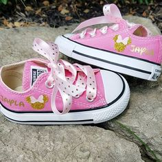 Minnie Mouse Shoes Pink and Gold Personalized Name Glitter Minnie Mouse Birthday Theme, Minnie Mouse Baby Shower, Minnie Mouse Pink, Minnie Mouse Party, Minnie Mouse Converse, Pink Converse, Baby Girl First Birthday, 2nd Birthday, Birthday Ideas