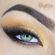 Exotic and bold eyes... #makeup #eyes #eyeshadow #liner #brows #lashes #strong #palegold #cosmetics #beauty