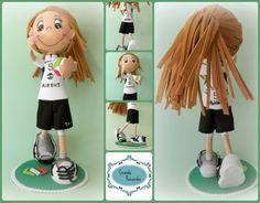 Valentina jugaba al voleibol en el CV Getafe. Esta es su fofucha Family Guy, Collage, Volleyball, Collages, Collage Art, Griffins, Colleges