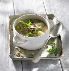 Przepis na Zupę na winie z borowikami i z wielkopolskim serem smażonym #ChOG Soup, Ethnic Recipes, Soups
