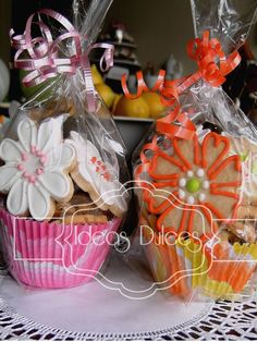 dulces detalles pasteleria artesanal - Buscar con Google Iced Cookies, Easter Cookies, Cupcake Cookies, Sugar Cookies, Christmas Cookies, Cookie Bouquet, Flower Cookies, Cookie Box, Cookie Gifts