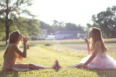 Friends + Bubbles + Photoshoot = Cute
