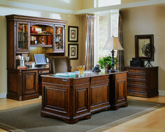 Hooker Furniture Brookhaven Executive Desk with Leather Top 281-10-563