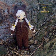 Каркасная кукла крючком Сонечка вяжется из хлопковой пряжей на проволочном каркасе. Вышитое лицо, одежда снимается. Автор схемы с описанием Katkarmela.