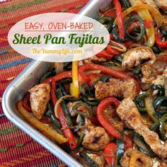 Easy, Oven-Baked Sheet Pan Chicken Fajitas. A quick, no-fuss method for making this healthy Mexican food favorite with make-ahead convenience. From The Yummy Life. Oven Chicken, Chicken Fajitas, Baked Fajitas, Roast Chicken, Baked Chicken, Healthy Mexican Recipes, Healthy Snacks, Dinner Healthy, Skinny Recipes