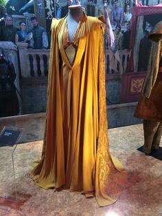 50 Best Game Of Thrones Dresses Inspirations - Nona Gaya Game Of Thrones Dress, Game Of Thrones Costumes, Got Costumes, Movie Costumes, Fantasy Gowns, Beautiful Costumes, Fantasy Costumes, Inspiration Mode, Costume Design