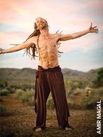 Yoga Journal: Hvorfor gjør yoga at vi føler oss så bra?/Why does yoga make us feel so good?