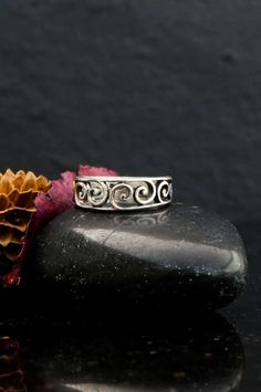 Spiral ring Celtic ring Celtic spiral ring infinity by Elfscraft Silver Celtic Rings, Sterling Silver Rings, Copper Jewelry, Jewelry Rings, Celtic Spiral, Celtic Symbols, Silver Pendant Necklace, Love And Light, Wiccan