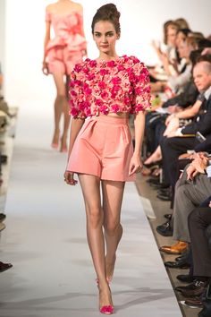 Flower Coral  short top with coral  high waisted shorts.Oscar De larenta