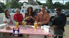 Kristi and Scott fail as competitive eaters