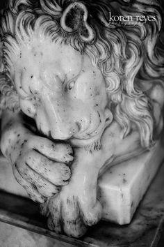 Marble lion statue. Mexico. Black and white. Koren Reyes Photography http://korenreyes.com