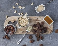Energy bites : Abricot, cajou & cie ... Une collation savoureuse qui booste… Biscuits, Cereal, Breakfast, Kitchen, Food, Snacks, Crack Crackers, Morning Coffee, Cookies