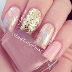 Essie Pop Art Pink #nail #nails #nailart #unha #unhas #unhasdecoradas #feather #pena