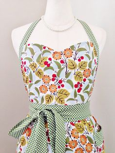 Handmade Apron  Sweetheart Apron in Berry by prettylittlepearl