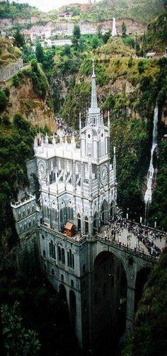 Dá uma olhada nessas dez igrejas!